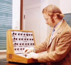 Tom Rhea demonstrates a Putney VCS3 at George Peabody College, ca. 1970